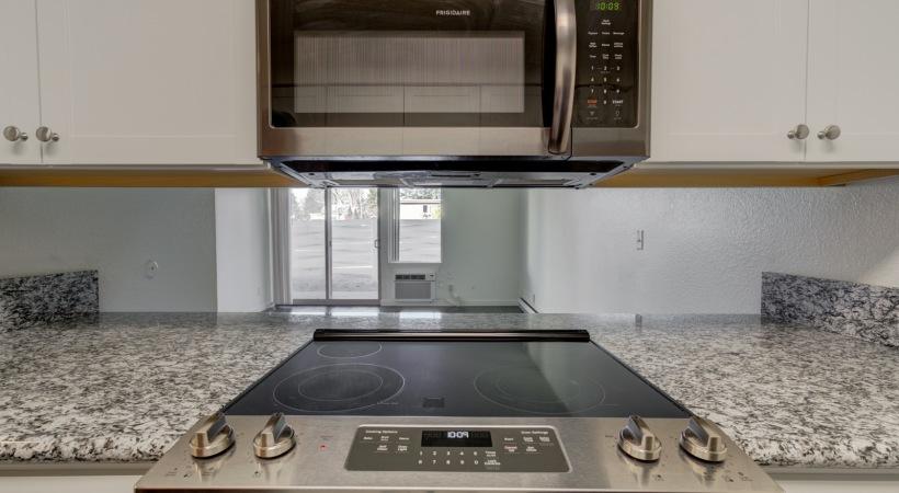 One Bedroom Kitchen 4